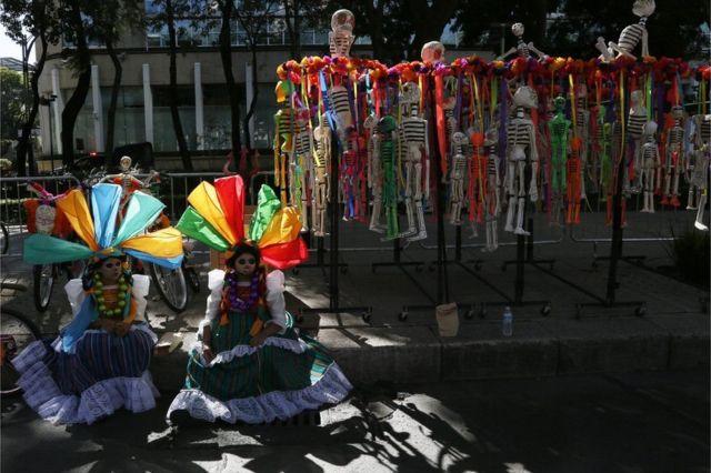 पारंपरिक उत्सव मृतकों का दिन