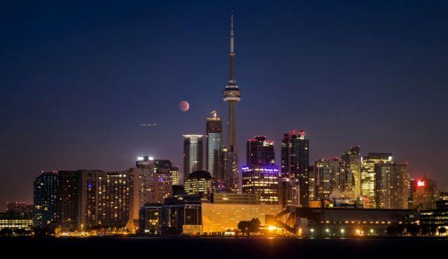 Kanada'nın en büyük şehri Toronto, altyapı ve çevre güvenliği gibi alanlarda gösterdiği güçlü performans ile endekste ikinci sırada geliyor.