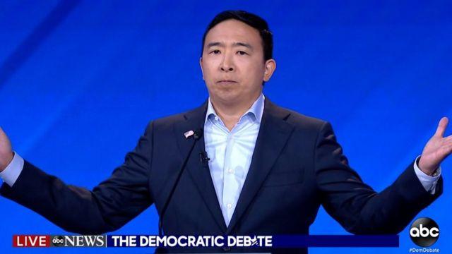2019년 9월 12일 텍사스주 휴스턴에서 미국 민주당의 2020 대통령선거 출마 후보자 10명의 3차 TV 토론회가 열렸다