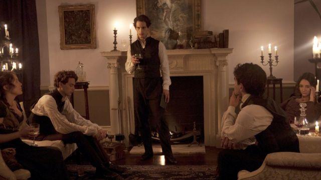 кадр из постановочной документальной драмы