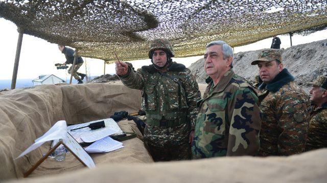 Serj Sarkisyan təmas xəttində yerləşən erməni hərbi postlarına baş çəkib