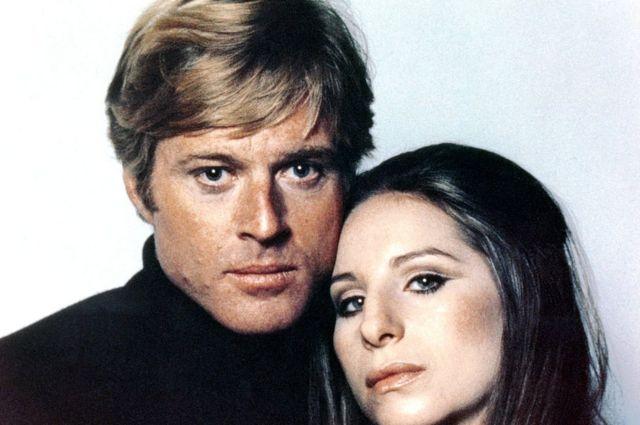 """Robert Redford y Barbra Streisand en """"Tal como éramos"""" o """"Nuestros años felices"""": The way we were."""