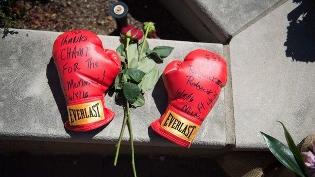 Boxing gloves in memoriam to Muhammad Ali