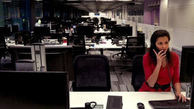 दफ़्तर में जब तक रहें, व्यस्त दिखें