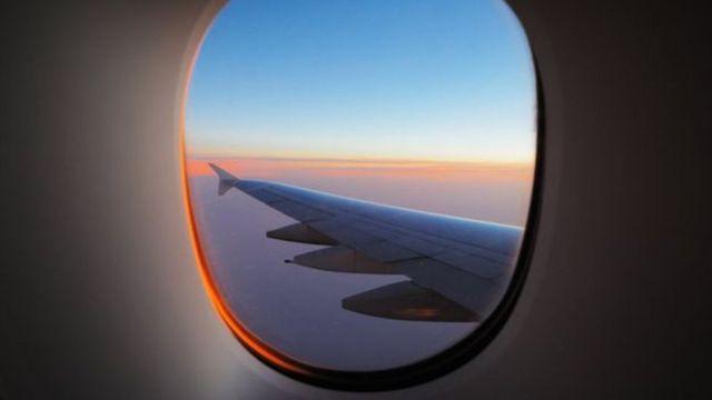 Janela de aeronave comercial