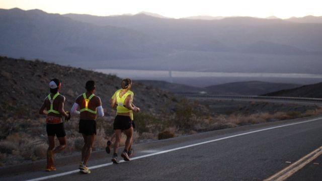 Maratonistas de distancias largas.