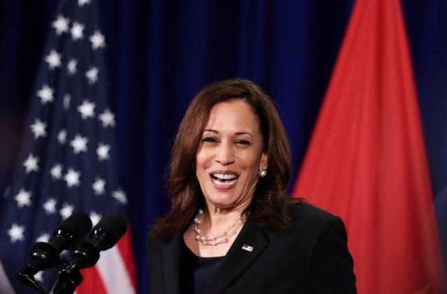 Phó Tổng thống Hoa Kỳ Kamala Harris tổ chức họp báo trước khi rời Hà Nội, Việt Nam, ngày 26 tháng 8 năm 2021