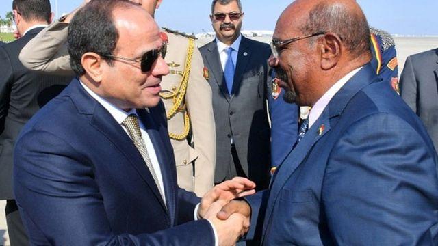 Hulusi Akar'ın 6 Kasım 2018'deki Sudan ziyaretinin ardından Ömer El Beşir, Mısır'a giderek Sisi'yle bir araya geldi.