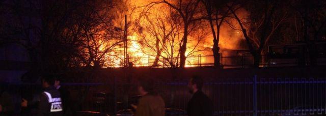爆発現場から大きな煙が立ち上がるのが見えたという