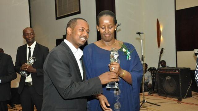 Mu 2011 yahembwe na Jeannette Kagame mu bihembo bya CYRWA (Cerebrating Young Rwandan Archivers)