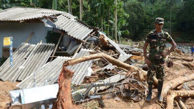 Шри-Ланкада соңку 14 жыл ичинде болбогон нөшөрлүү жамгыр жаап жатат.