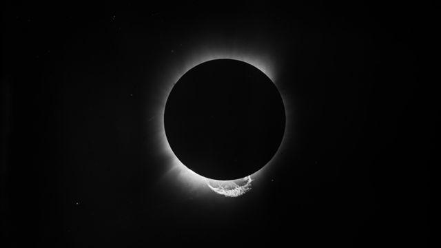 Foto del eclipse de Sobral
