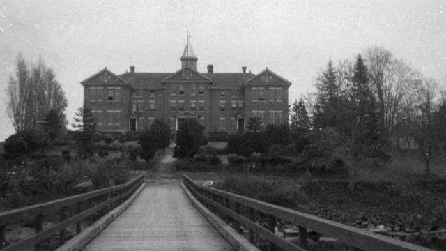 Facciata della scuola industriale Cooper Island