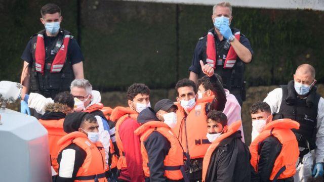 Göçmenler Dover'a ulaştı
