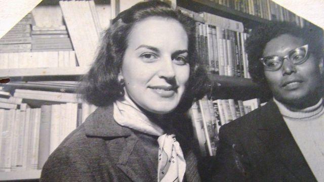 Ruth Guimarães com a escritora Lygia Fagundes Telles em 1950