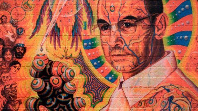 Um retrato do químico suíço Albert Hoffman