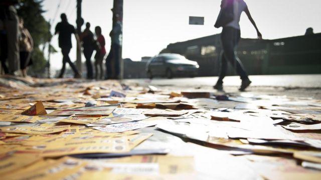 Panfletos nas eleições de 2012, em São Paulo