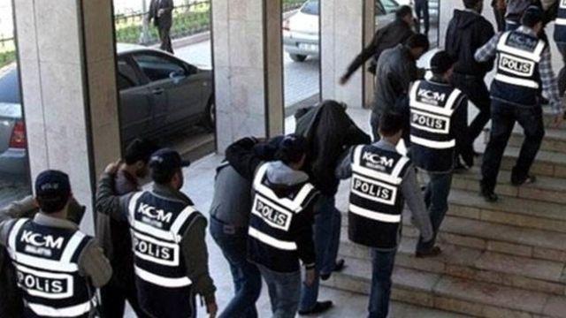 Gözaltına alınan emniyet mensupları (Arşiv)