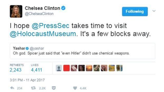 """""""Espero que el secretario de prensa se tome un tiempo para visitar el Museo del Holocausto. Está a unas pocas cuadras"""", tuiteó Chelsea Clinton, hija de los políticos Hillary y Bill Clinton."""