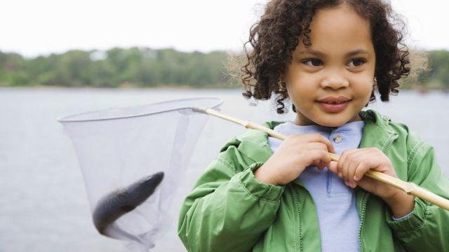 Criança com pesca