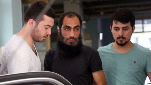 Islamic State group: Turkey arrests 21 in dawn raids