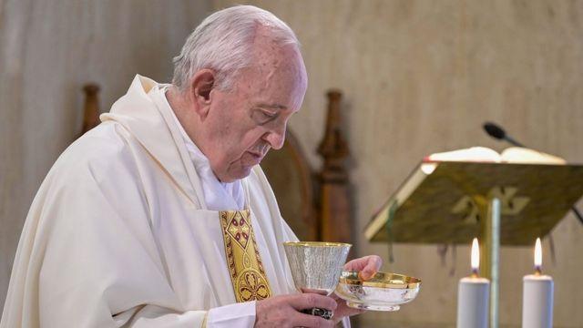 프란치스코 교황은 터키 사법부의 결정에 '마음이 아프다'고 했다