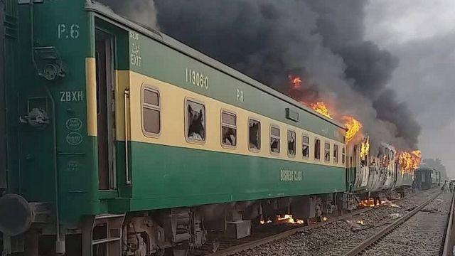 이번 사고는 최근 10년간 파키스탄에서 목격한 가장 최악의 열차 참사다