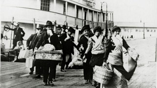 Imigrantes chegando da Europa em 1920
