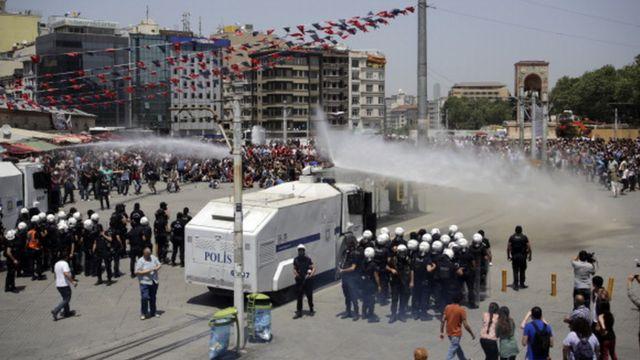 Mayıs 2013'te başlayan Gezi Parkı eylemleri Türkiye'nin birçok yerine yayıldı