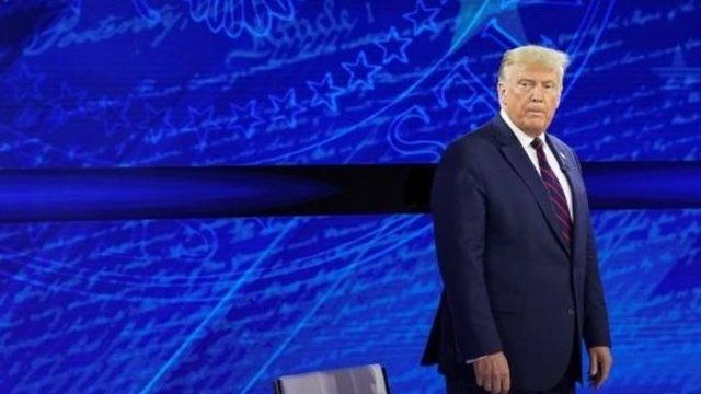 دونالد ترامپ رئیس جمهوری آمریکا کماهمیت جلوه دادن ویروس کرونا را انکار کرد. این در حالی است که او پیشتر در یک مصاحبه ضبط شده به این موضوع اذعان کرده بود.