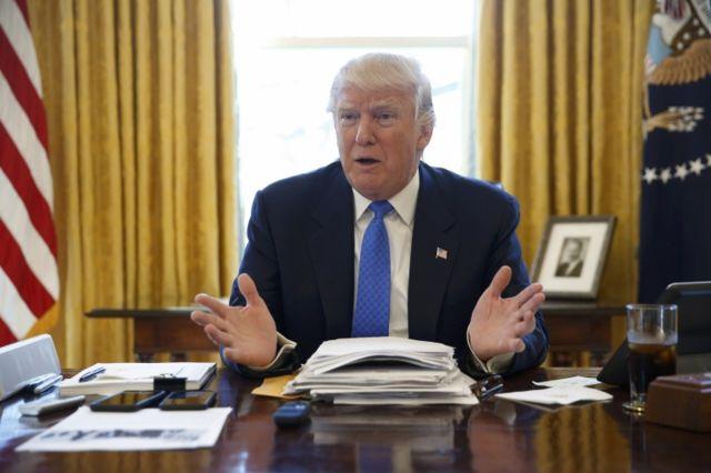 """Trump insiste en que quiere expulsar del país a las """"malas personas"""" que están ilegalmente."""