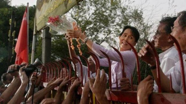 Bà Aung San Suu Kyi được trả tự do năm 2010