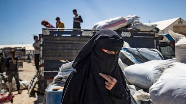تلجأ بعض النساء في مخيم الهول إلى الزواج للهرب من الاحتجاز