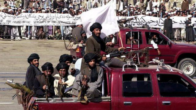 ABD işgali sırasında Taliban, bazı bölgelerde güç gösterisi yapmaya devam etti - 2003