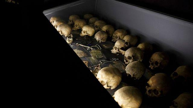 Selon l'ONU, près de 800.000 Tutsi et Hutu modérés ont été tués en 100 jours, d'avril à juillet 1994.