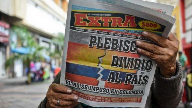 El plebiscito dividió al país, es el titular de un diario colombiano.