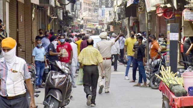 कोरोना: लॉकडाउन पर असमंजस में मोदी, जान बचाएँ या अर्थव्यवस्था? - BBC News  हिंदी