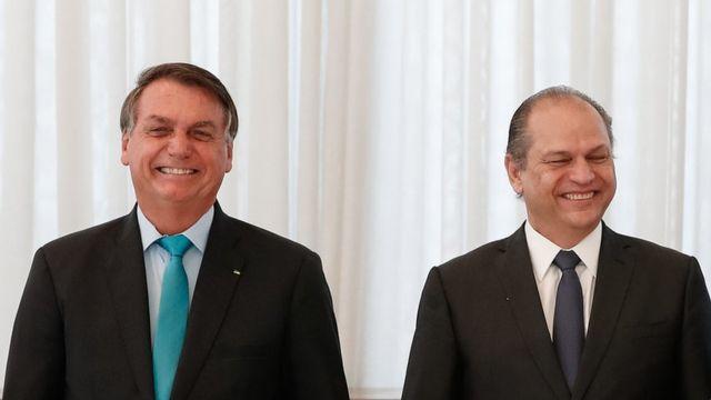 Bolsonaro e Ricardo Barros em evento em Brasília em setembro de 2020