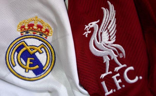 Logos de Real Madrid y Liverpool