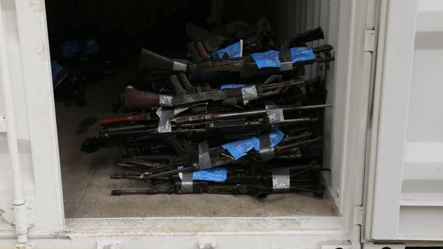 Armas de las FARC en contenedor de la ONU (Foto: John Vizcaino/ AFP)