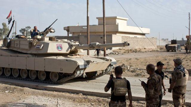 دبابة من القوات العراقية الخاصة