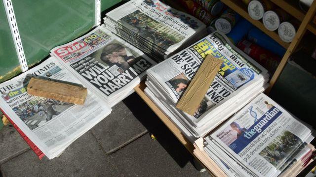 Harry ve Meghan gazetelerin manşetlerindeydi
