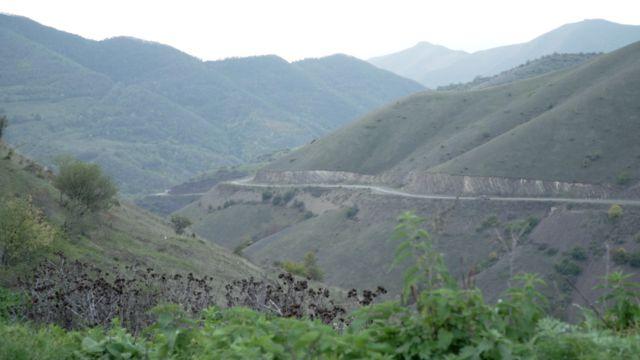 Carretera que conecta Armenia con Nagorno Karabaj