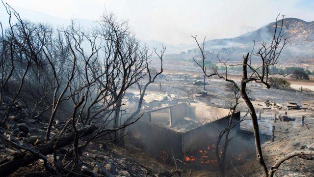 Casa destruida por el incendio Blue Cut.