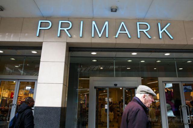 """شرکت """"پرایمارک"""" که یکی از عرضهکنندگان پوشاک ارزان قیمت در بریتانیاست از احتمال تاخیر در عرضه محصولات به دلیل نرسیدن مواد اولیه از چین خبر داده است"""