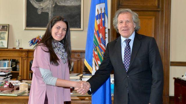 Rosa María Payá y Luis Almagro se dan la mano