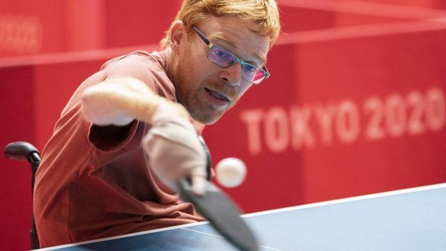 Член сборной Швейцарии по настольному теннису готовится к соревнованиям в Токио