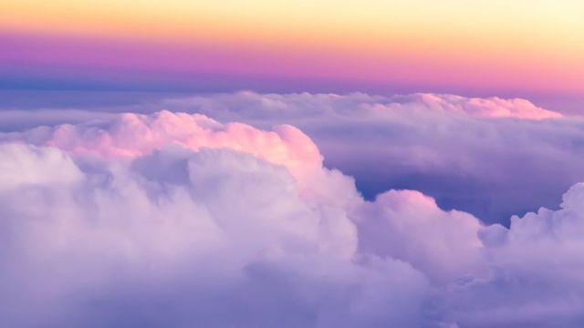 Arriba de las nubes