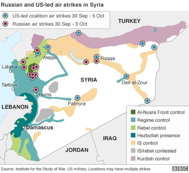 シリア国内でロシア(赤)と米国(青)がそれぞれ空爆した地域(ISWと米軍の情報から)