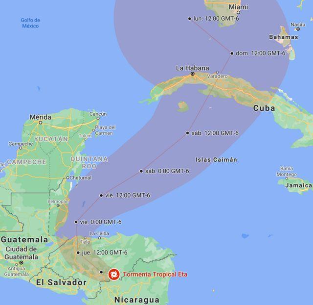 Posición y trayectoria de Eta prevista por el NHC, actualizado a las 19:10 CST (GMT-6) del miércoles, 4 de noviembre.